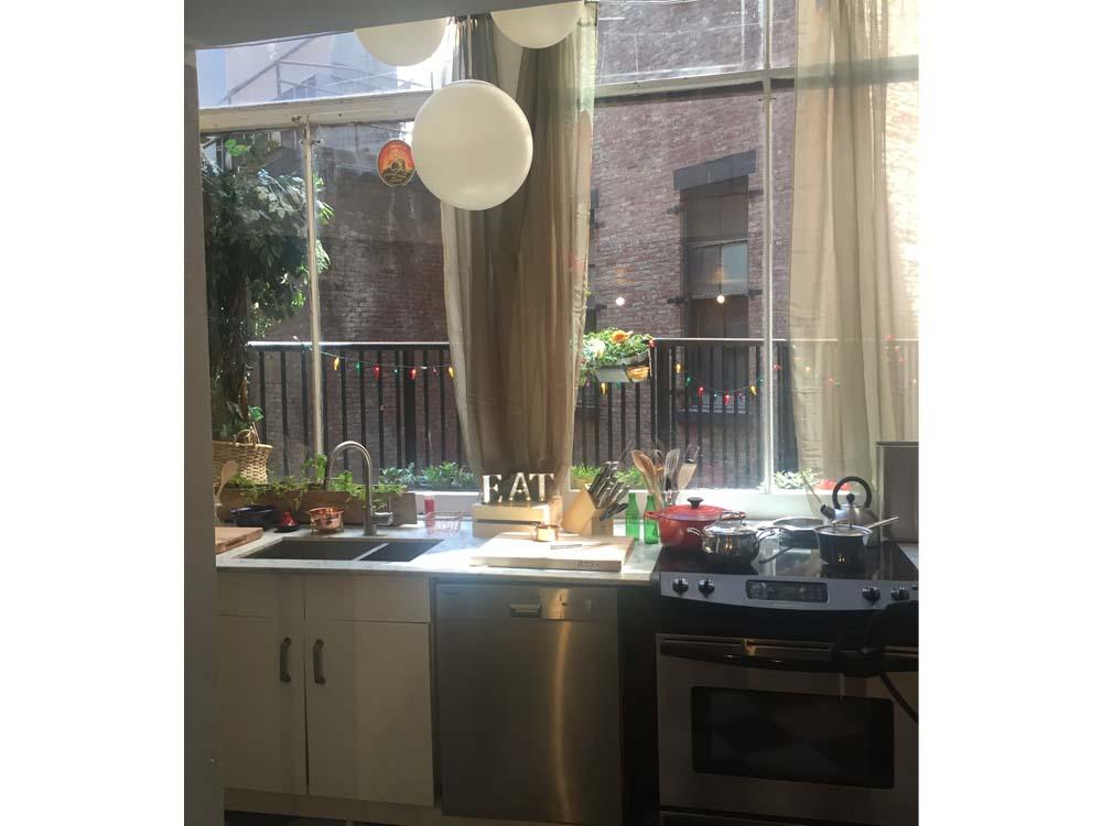 kitchen windows studio 205